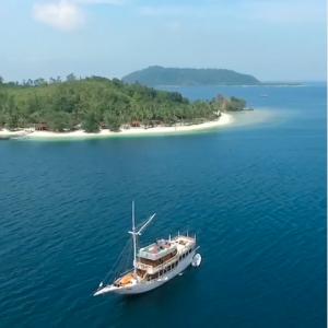 paket wisata kapal sumbar