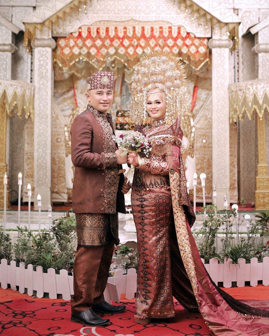 Baju Pengantin Padang Modern dan Islami Terbaik di Padang